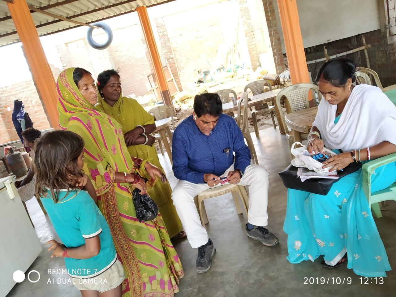 बाढ़ पीड़ितों के घर तक पहुंचा स्वास्थ्य सेवा,