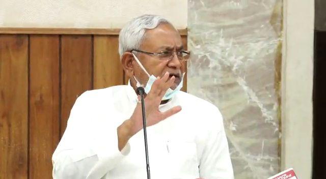 मुख्यमंत्री ने कोरोना वायरस के संक्रमण की रोकथाम के लिये राज्य सरकार द्वारा किये जा रहे कार्यों के संबंध में पत्रकारों से की बातचीत