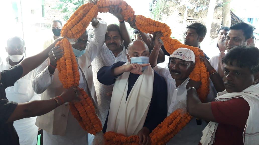 इस्पात मंत्री आरसीपी सिंह ने किया तारापुर विधानसभा क्षेत्र का दौरा,